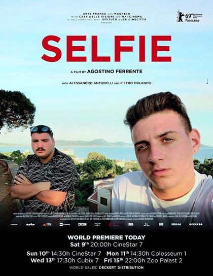 Cartel de Selfie (2019)